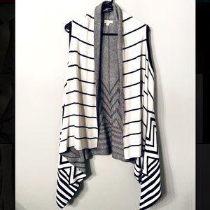 Sleeveless chevron sweater/cardigan